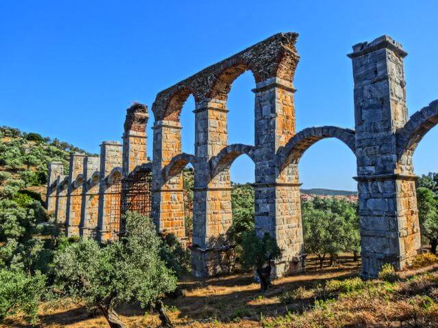 The Roman aquaduct at Moria
